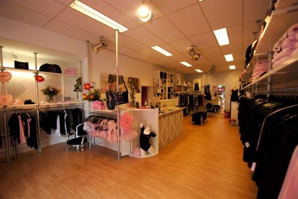 Een kijkje in de nieuwe winkel van DéDé Dress!!